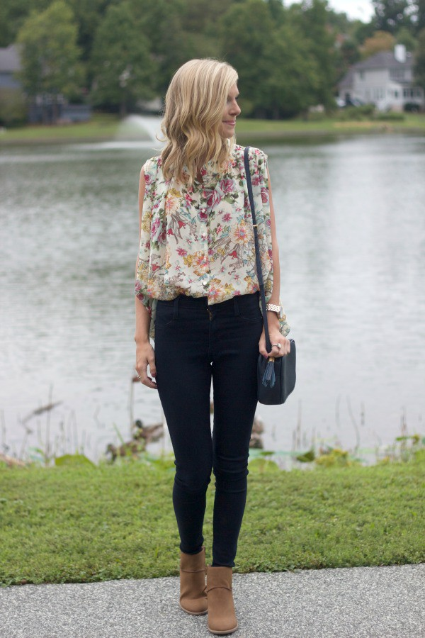 life with emily blogger top jeans shoes bag jewels floral