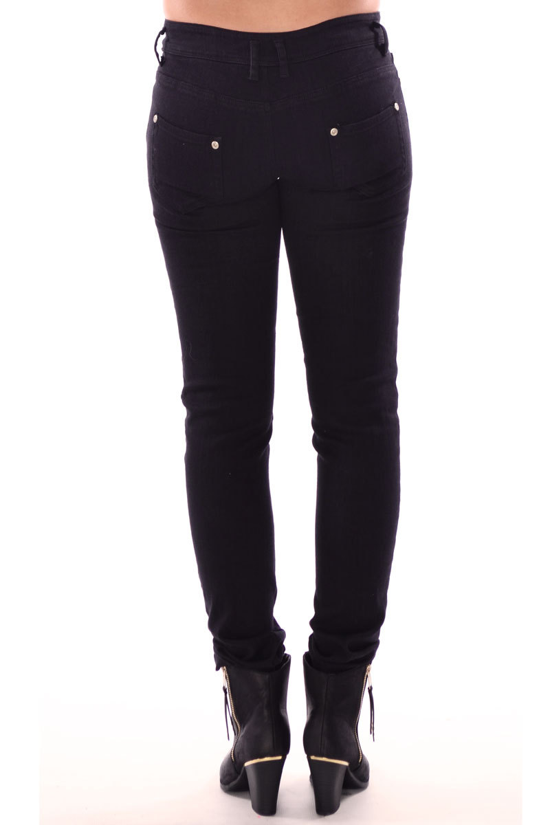 Breena Zip Fasten Jeans In Black