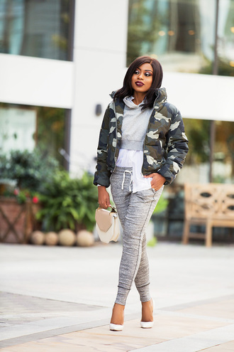 jadore-fashion blogger pants shirt sweater coat camo jacket puffer jacket pumps hoodie