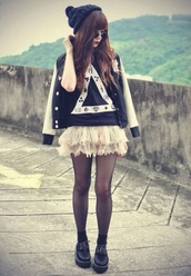 jacket,hat,t-shirt,skirt,tulle skirt,underwear,shirt,triangle,cute,black,white