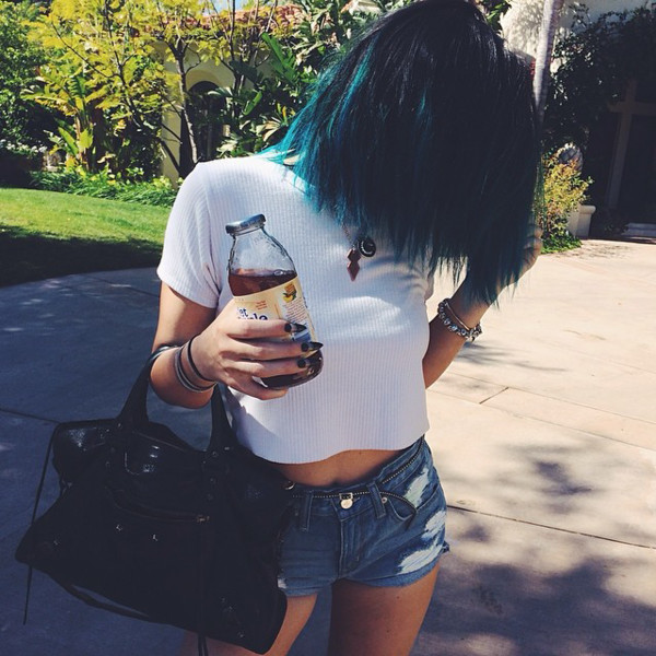 kylie jenner kylie jenner kardashians clothes blue hair hair jewels bag