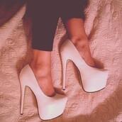 shoes,closed toe,platform heels,pumps,white