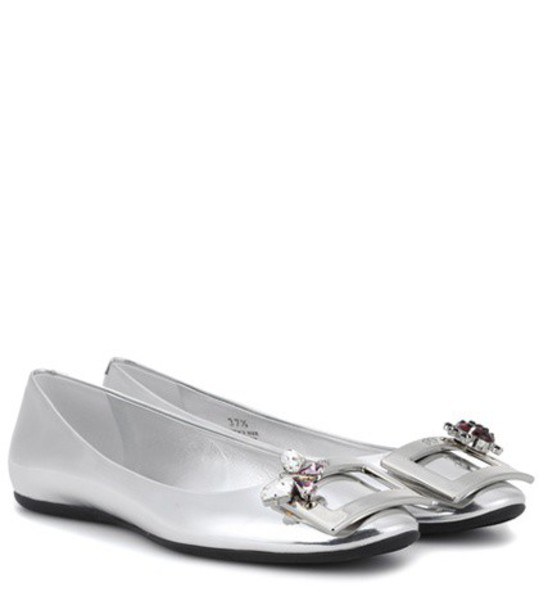 metallic leather silver shoes
