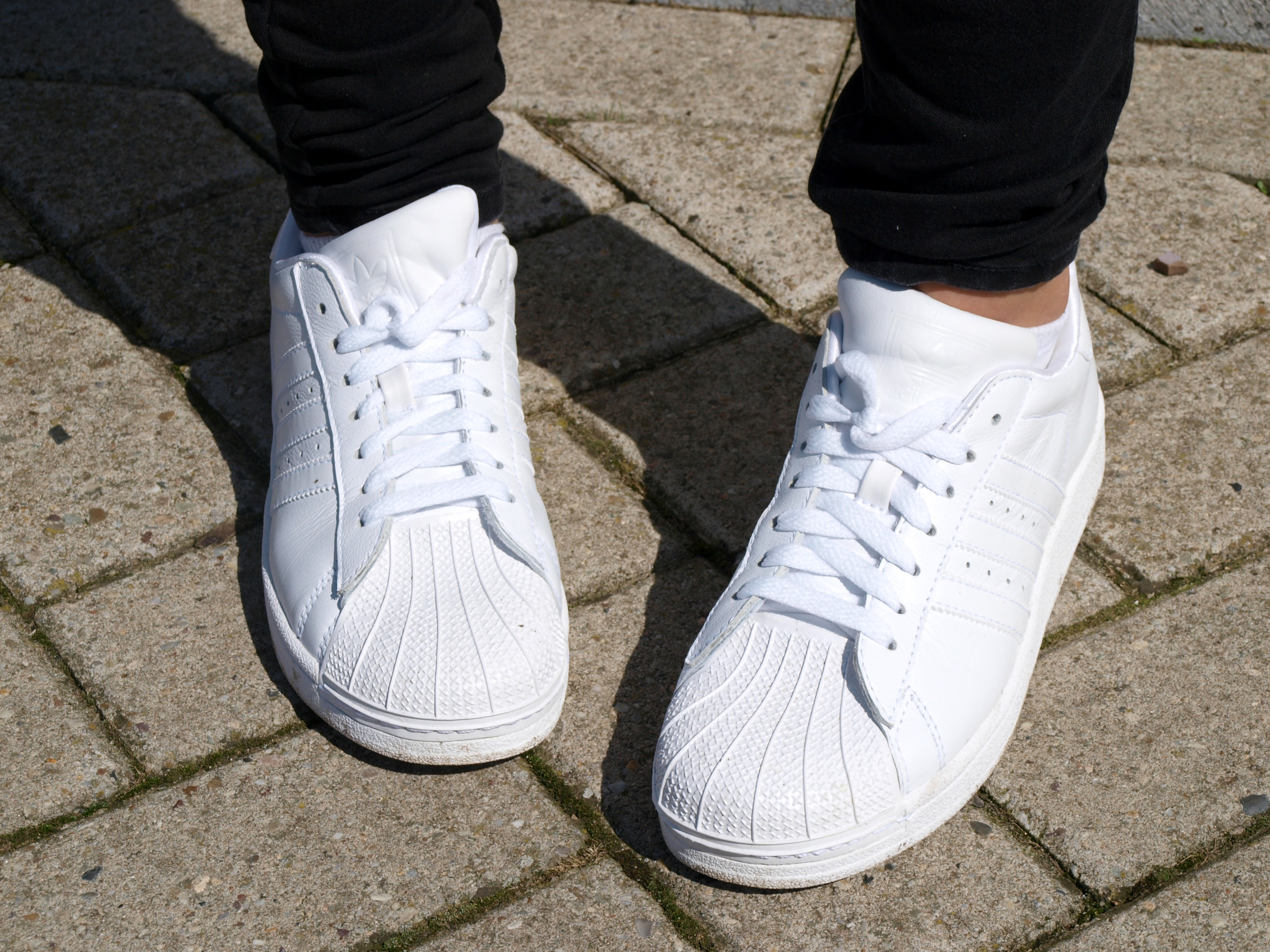 adidas superstar all white ootd
