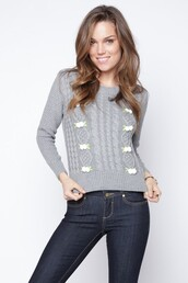 sweater,grey sweater,floral sweater,cable knit