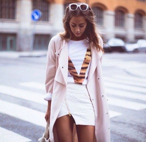 chic muse fashion skirt kenza zouiten kenza,outfit,vogue,victim ivyrevel, balenciaga bag, white, black, beige coat, beige, cream, town white tees fashonista