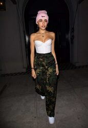 top,bustier,camouflage,camo pants,madison beer,streetstyle,strapless,beanie