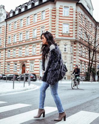 shoes tumblr boots grey boots denim jeans blue jeans jacket fur jacket grey jacket bag black bag