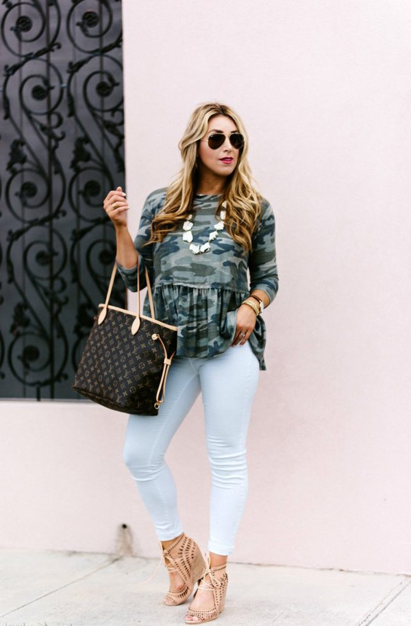 januaryhart blogger top jewels bag shoes sunglasses louis vuitton bag tote bag camouflage sandals skinny jeans