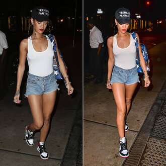hat riihanna cap bodysuit backpack handbag bag shirt rihanna shoes jewels black cap