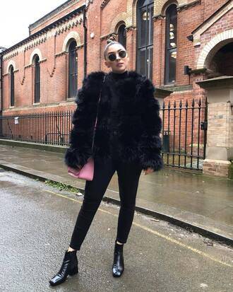 jacket tumblr black jacket faux fur jacket black fur jacket denim jeans black jeans skinny jeans boots black boots ankle boots sunglasses bag pink bag