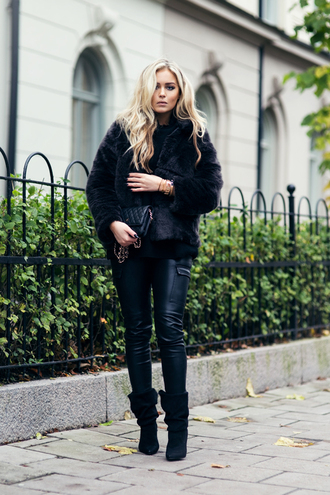 jewels bag faux fur jacket leather pants blogger fanny lyckman rock black black boots