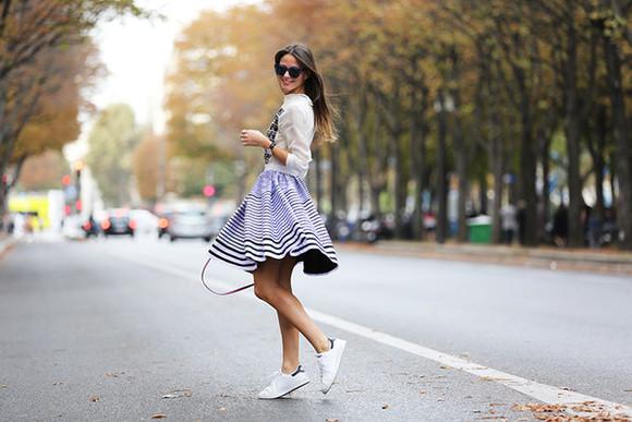 fashion vibe blogger sunglasses bag jewels casual sneakers stripes