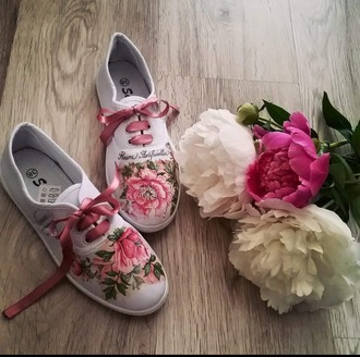 shoes sneakers roses