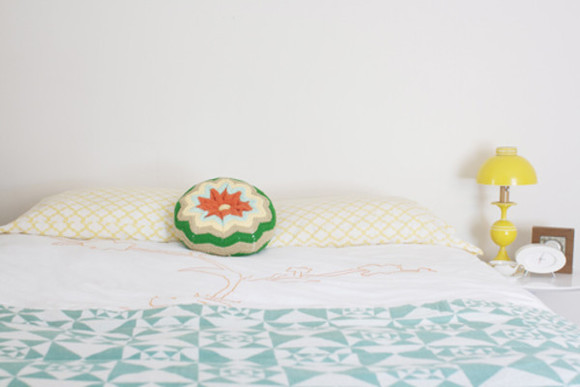 blue teal light blue green white sweater cushin bed round retro urban pillow crochet knitted peach yelloe old fashion flower pattern circle yellow lamp check light peach