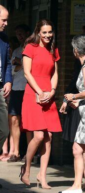 dress,red dress,red,kate middleton,pumps,midi dress