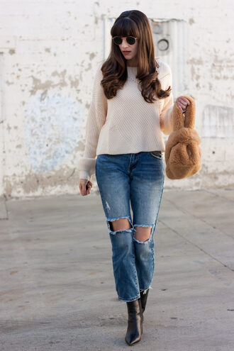 jeans and a teacup blogger sweater top jeans bag shoes jewels sunglasses furry bag winter outfits