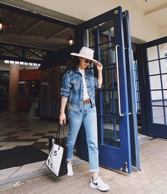 shoes top tumblr jacket denim jacket denim jeans sneakers nike sneakers white sneakers bag hat white hat white top