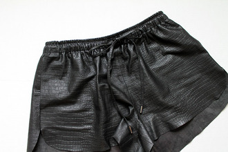 shorts leather shorts black leather shorts snake python croco animal print animal leather black leather printed shorts crocodile bow tie shorts black shorts alexander wang