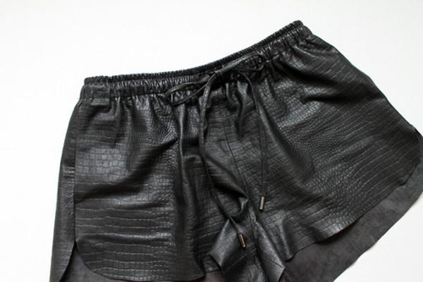 shorts leather shorts black leather shorts snake python croco animal print animal leather black leather printed shorts crocodile crocodile bow tie shorts black shorts alexander wang alexander wang