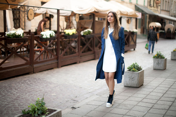 fashion agony blogger trench coat white dress