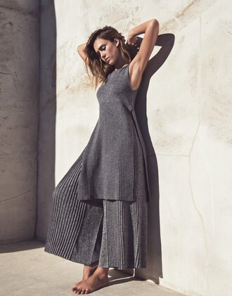 top vest grey pants wide-leg pants jessica alba editorial knitwear tunic dress tunic all grey everything minimalist all grey outfit ribbed top monochrome outfit