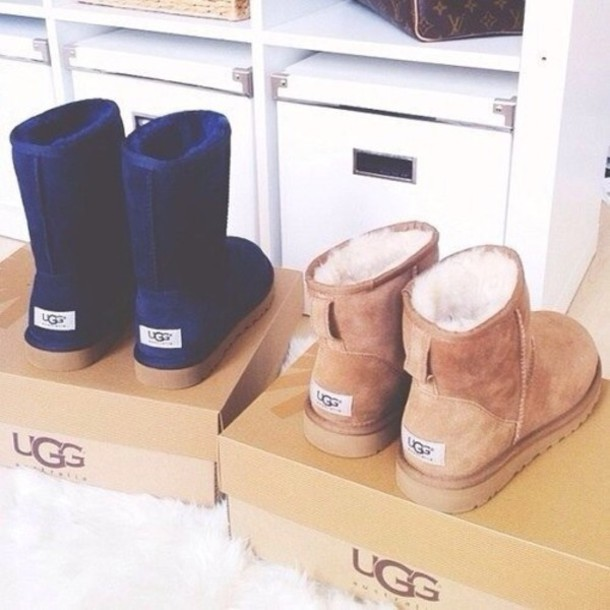 shoes, ugg boots, boots, ugg boots, navy, brown, tan, girly, warm, fluffy, navy, high boots, low boots, beige, winter outfits, outfit - Wheretoget