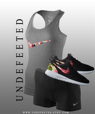 shirt nike nike roshe runs shoes black nike pro shortsw workout workout gear gear gray shorts tank tank top nike tanks nike shirts shirts sports floral flowers print swoosh crossfit bodybuilding cute sporty