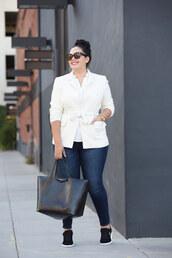 jacket,plus size interview outfit,curvy,plus size,white blazer,blazer,white top,jeans,blue jeans,denim,bag,black bag,work outfits,office outfits,sunglasses