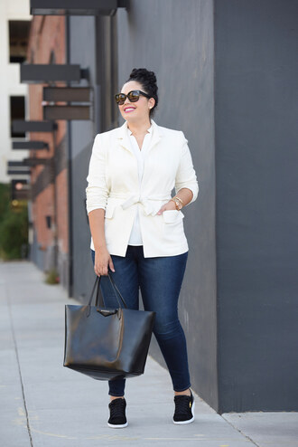 jacket plus size interview outfit curvy plus size white blazer blazer white top jeans blue jeans denim bag black bag work outfits office outfits sunglasses