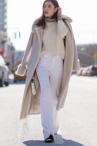 coat white and beige outfit white and beige sweater beige sweater pants flare pants white pants beige coat fur collar coat long coat winter outfits winter look