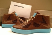 shoes,sneakers,trainers,clothes,brown,christmas,nike,wow,present,holiday gift