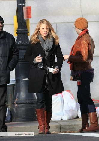 coat blake lively gossip girl black jacket celebrity winter outfits fall outfits serena van der woodsen