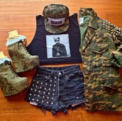 shirt,crown,camouflage,military style,black,graphic tee,crop tops,jacket,shorts,shoes,hat,bag