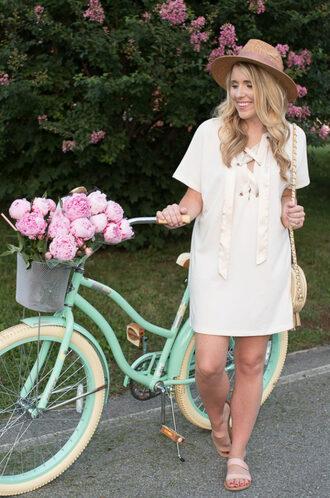 pearls&twirl blogger dress shoes bag hat