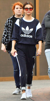 pants,sweatshirt,sweatpants,sunglasses,sneakers,selena gomez,streetstyle,sweater