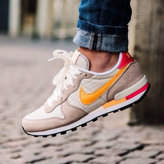 shoes nike nike shoes nike running shoes sneakers orange cream white beige