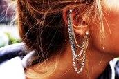 jewels,ear cuff,earrings,ear piercings,chain,ear chain,cartilage piercing,cartilage earring,cartilage,jewelry,edgy,chain cuff earring,statement earrings