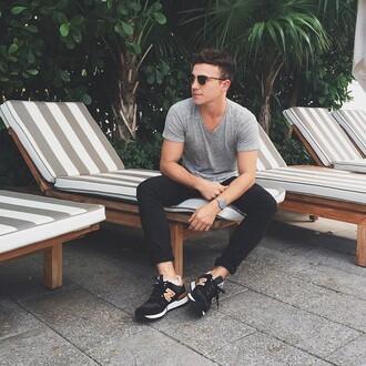 scout sixteen blogger casual menswear mens t-shirt mens sneakers nike sneakers sunglasses