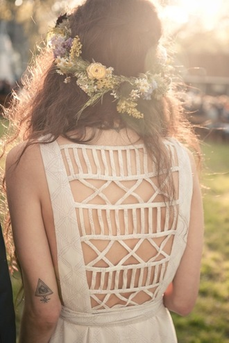 dress festival summer styles tumblr pretty beautiful cut-out dress cut out back style model indie hispter white dress white tattoo field hipster wedding flowers open back summer dress backless cut-out cute opened back dress flower headpiece floral country wedding hippie boho flower crown aztec vintage hipster cut dress white pattern