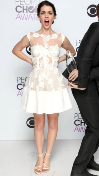 dress white brunette lace white dress lace dress white shoes white heels white high heels people's choice awards