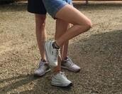 shoes,fila,fila sneakers,white sneakers,sportswear,streetwear
