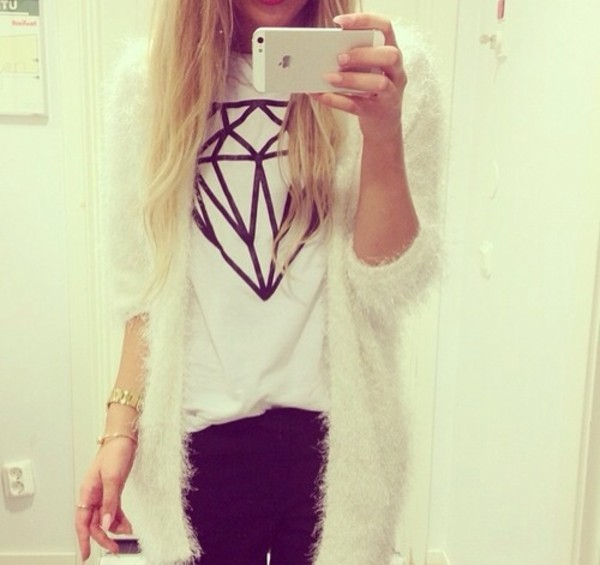 sweater blouse t-shirt diamonds black white