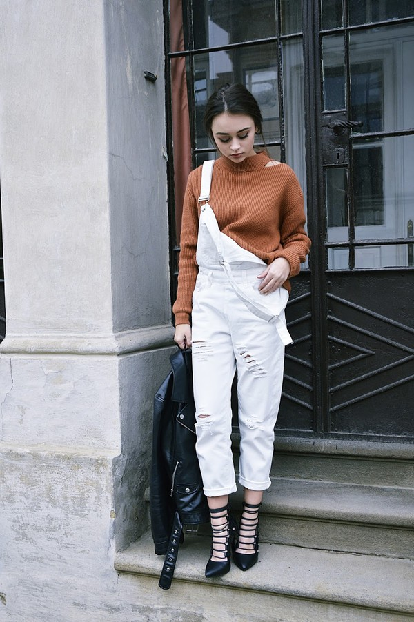 7a941ff70346 lila janowska blogger jumpsuit sweater jacket shoes.