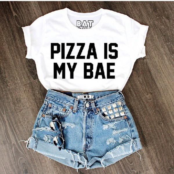 t-shirt pizza shirt High waisted shorts