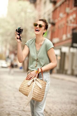 bag basket bag nude bag top green top pants white pants sunglasses spring outfits