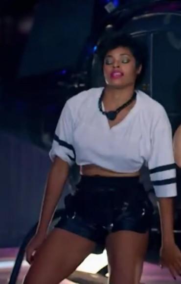 black white t-shirt trend bang bang musicvideo funnyscene black and white sleeve stripes