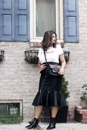 skirt,pencil skirt,leather skirt,ruffle hem skirt,low boots,t-shirt,blogger,blogger style,zipped skirt,slogan t-shirts,crossbody bag,leopard bag