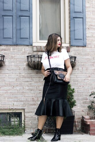 skirt pencil skirt leather skirt ruffle hem skirt low boots t-shirt blogger blogger style zipped skirt slogan t-shirts crossbody bag leopard bag