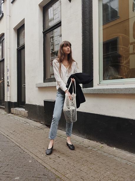 shoes top jacket bag white bag jeans denim flats black flats ballet shoe